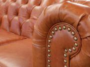 Sofá Chesterfield de Couro 3 Lugares - Mempra